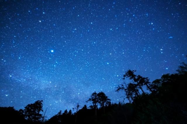 【今夜】ペルセウス座流星群が観測できます